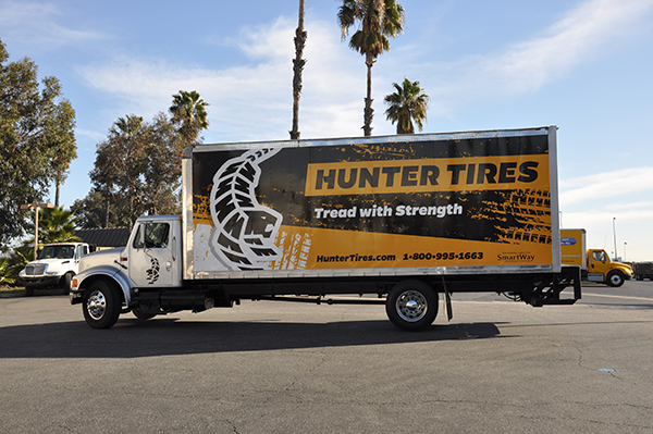 24-box-truck-wrap-using-gf-for-hunter-tires-10.png