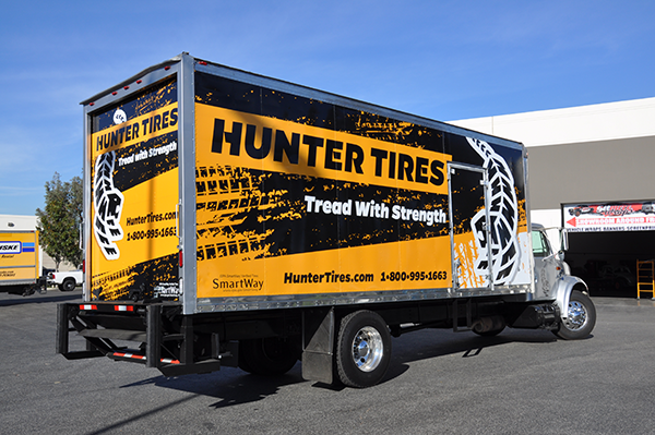 24-box-truck-wrap-using-gf-for-hunter-tires-12.png