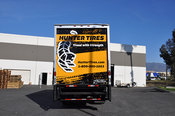 24-box-truck-wrap-using-gf-for-hunter-tires-4.png