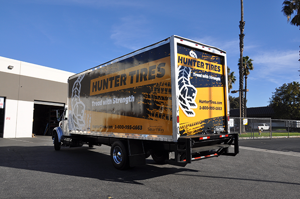 24-box-truck-wrap-using-gf-for-hunter-tires-6.png