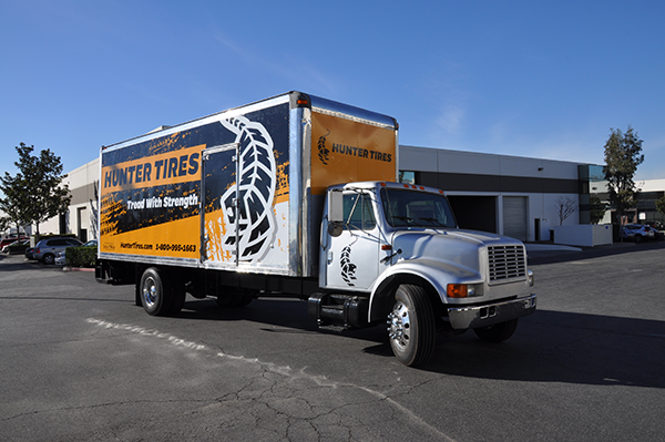 24-box-truck-wrap-using-gf-for-hunter-tires.png