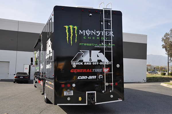 3m-gloss-motorhome-wrap-for-freestyle-mx-and-monster-energy-18.png