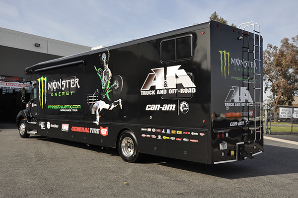 3m-gloss-motorhome-wrap-for-freestyle-mx-and-monster-energy-21.png