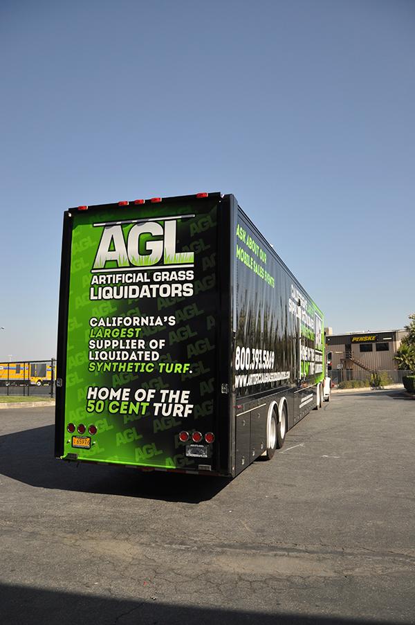 53-trailer-3m-gloss-wrap-for-artificial-grass-liquidators-4.png