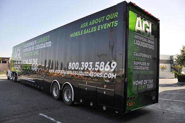 53-trailer-3m-gloss-wrap-for-artificial-grass-liquidators-6.png