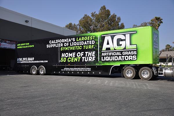 53-trailer-3m-gloss-wrap-for-artificial-grass-liquidators-9.png