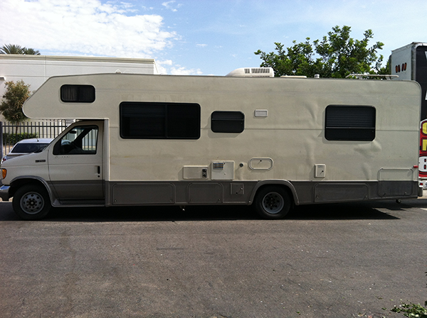 thor-class-c-motorhome-wrap-for-a-family-old.png