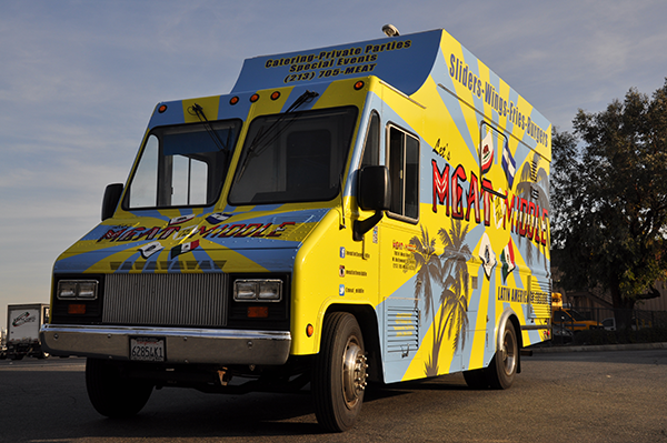 -gf-food-truck-vehicle-wrap-for-meat-in-the-middle-2.png