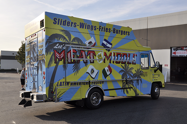 -gf-food-truck-vehicle-wrap-for-meat-in-the-middle-5.png