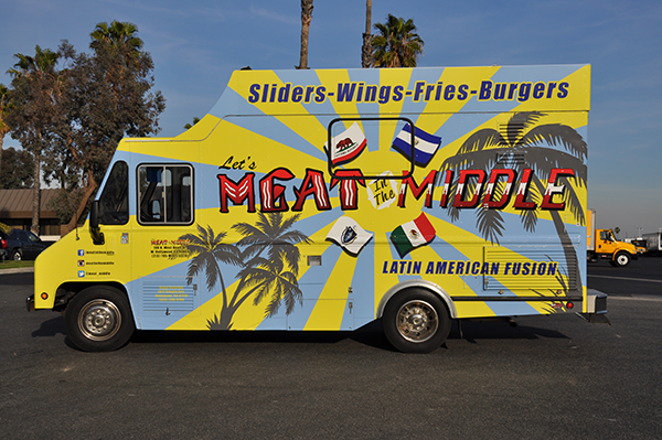 -gf-food-truck-vehicle-wrap-for-meat-in-the-middle-8.png