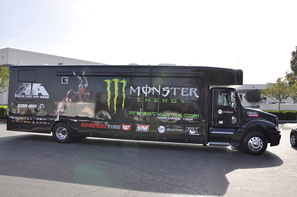 3m-gloss-motorhome-wrap-for-freestyle-mx-and-monster-energy-11.png