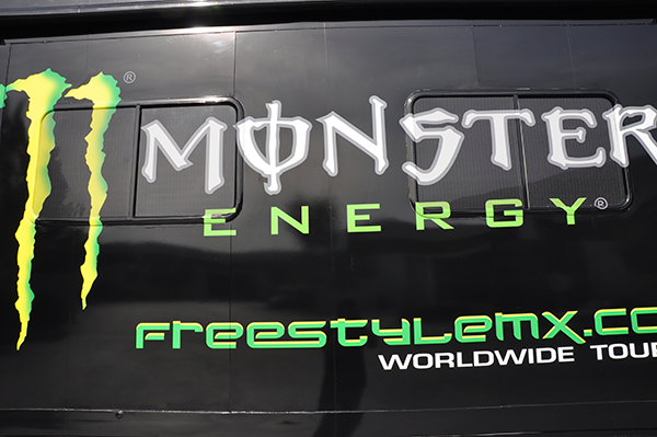 3m-gloss-motorhome-wrap-for-freestyle-mx-and-monster-energy-5.png