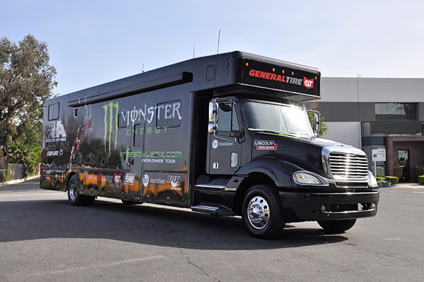 3m-gloss-motorhome-wrap-for-freestyle-mx-and-monster-energy-7.png