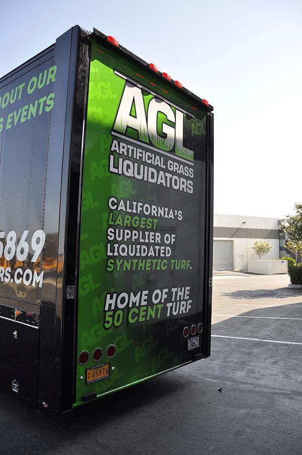 53-trailer-3m-gloss-wrap-for-artificial-grass-liquidators-5.png