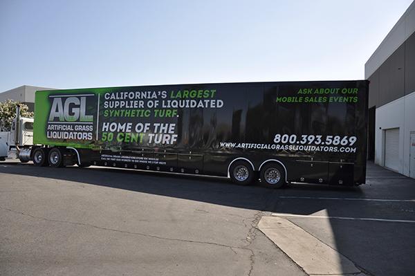 53-trailer-3m-gloss-wrap-for-artificial-grass-liquidators-7.png
