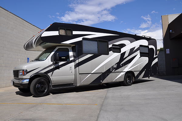 thor-class-c-motorhome-wrap-for-a-family-12.png